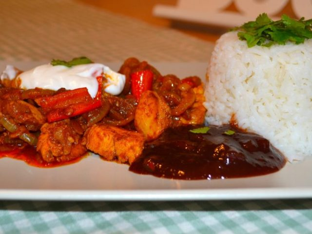 From Grandma's Kitchen: Chicken Moelho