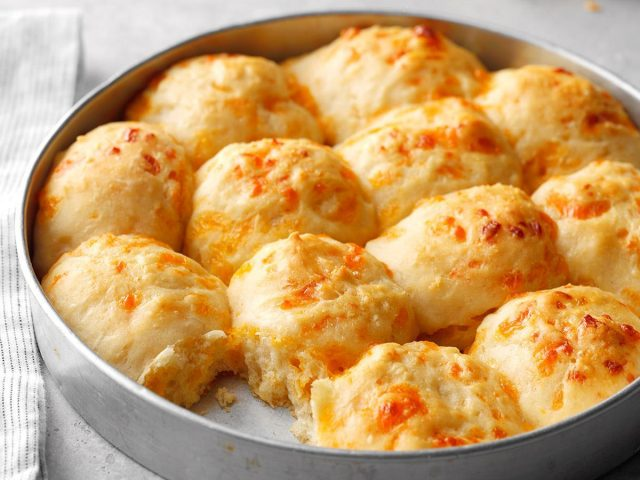 From Grandma's Kitchen: Pan Rolls